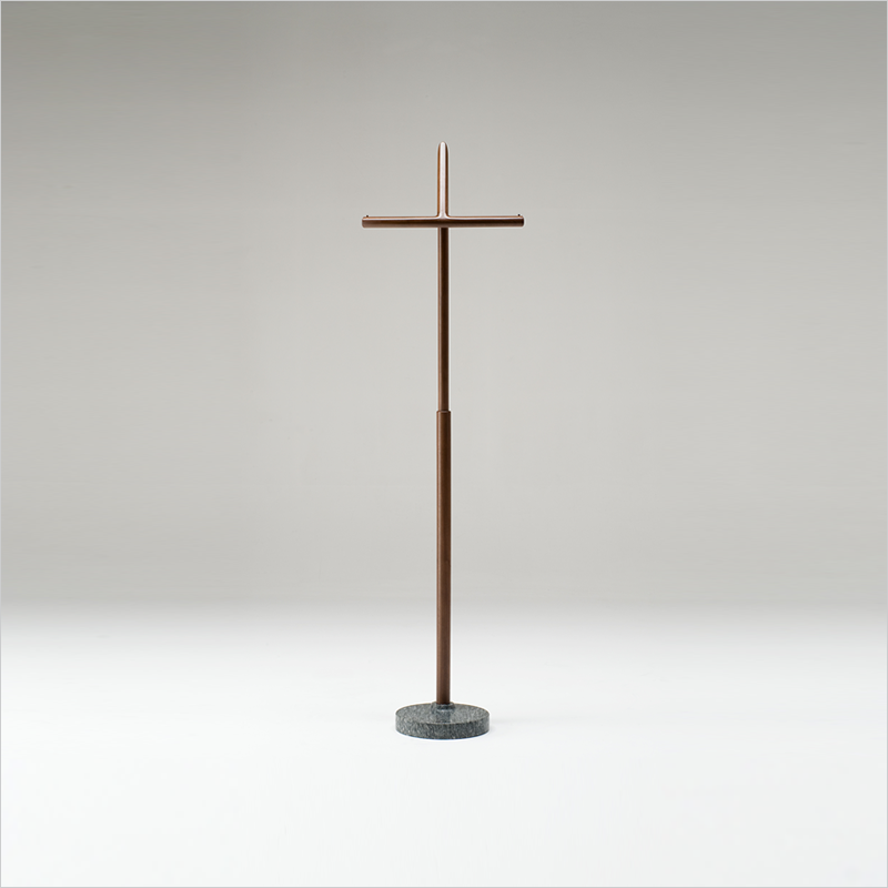 lepore coat stand